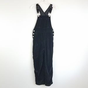 old navy xs black velvet overalls O14